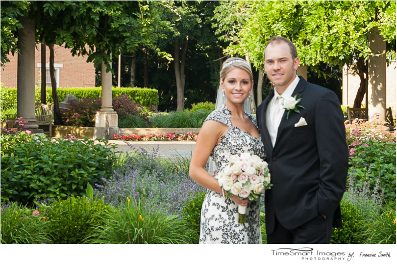 Bride and Groom_Black and Cream Gown_RMU