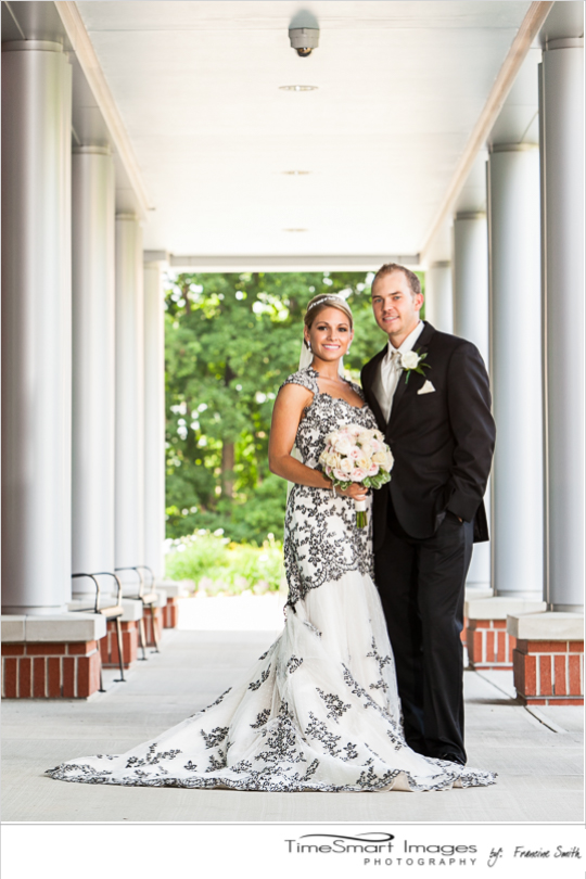 Bride and Groom_RMU_Black & Cream Wedding Gown