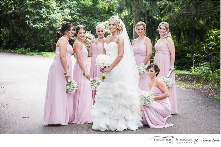 bride and bridesmaids_blush and Ivory with babies breath